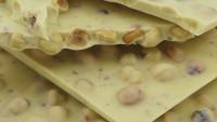 geröstete Haselnuss in Weißer-Schokolade